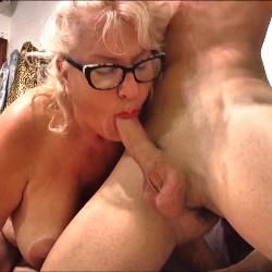 62 años, divorciada. A la Señora Concha siempre le han gustado los yogurines