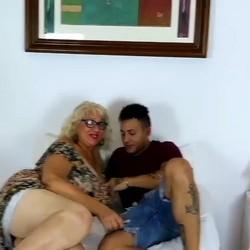 La Señora Fina y 'sus cositas' pendientes. Con 63 años se folla su primer cubano.