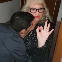 Señora Fina conoce  a Paris y se lo lleva, ¡¡¡AQUÍ HAY TEMA... PERO VAMOS!!!