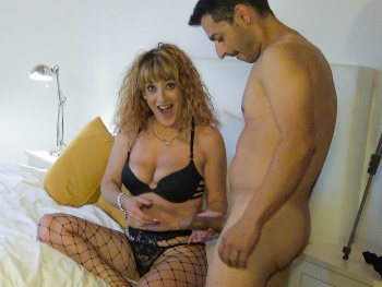 Lydia MILF fucks a fan. 'I met him in networks and said: That cock will be mine!'