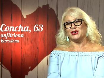 Señora Fina, 63 años, de FIRST DATE a actriz porno. ¿Que es esto que me apunta? Parece un misil!